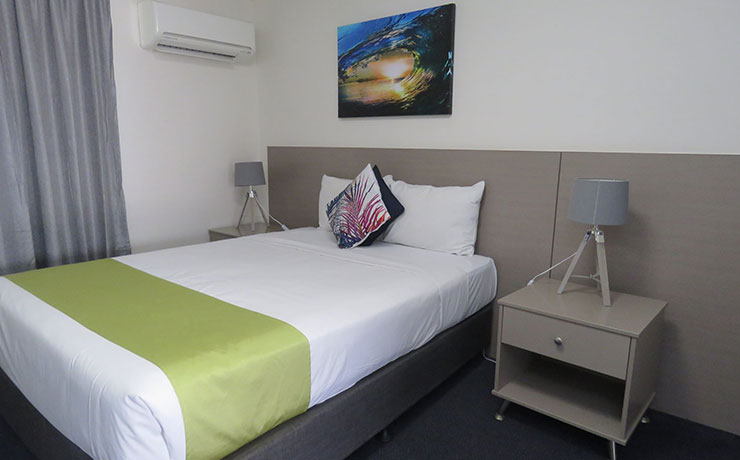 Queen Room Mt Isa Motel